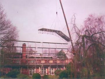 Dachersatzkonstruktionen werden eingebaut